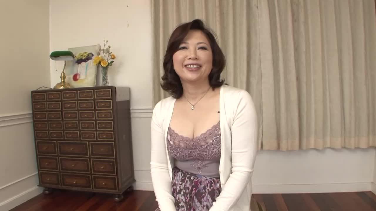 【井ノ口慶子/五十路】素人の50歳のおばさんが初撮りAVデビューするドキュメント企画