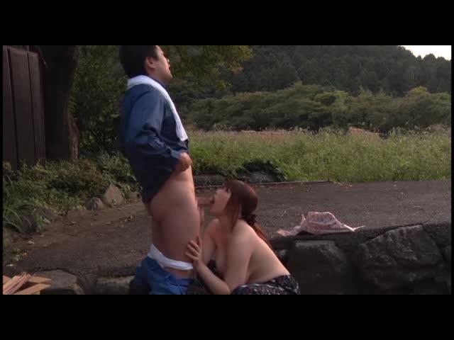 【七草ちとせ】ぼっちゃり巨乳奥様がとんでもなくエロいww青姦フェラ動画